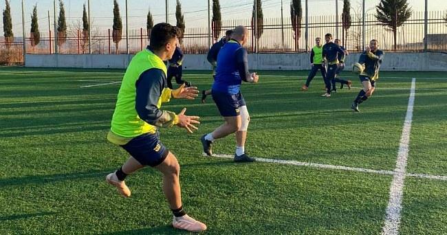 Энди Робинсон начал подготовку к матчу со сборной Испании