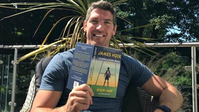 Выходит в свет книга легенды валлийского регби Джеймса Хука